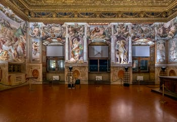 """The Hearings Hall, """"Sala delle Udienze"""" of the Palazzo Vecchio in Florence in Italy"""